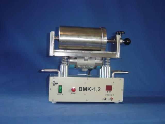 BMK-1,2  młynek wibracyjny